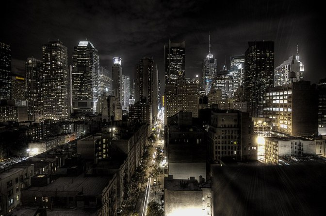 800px-New_York_City_at_night_HDR