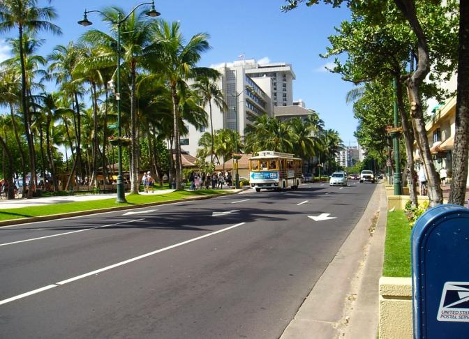 Waikiki_street